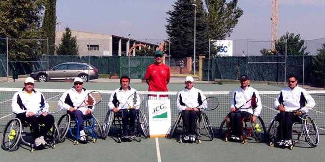 Escola de Tennis en Cadira de Rodes a la Caparrella (Lleida)