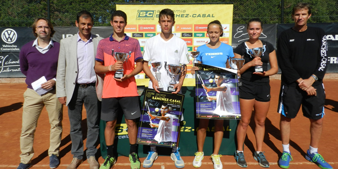 Matyas Fuele i Oana Gavrila s'alcen amb el títol en el ITF Sánchez-Casal Junior Cup.