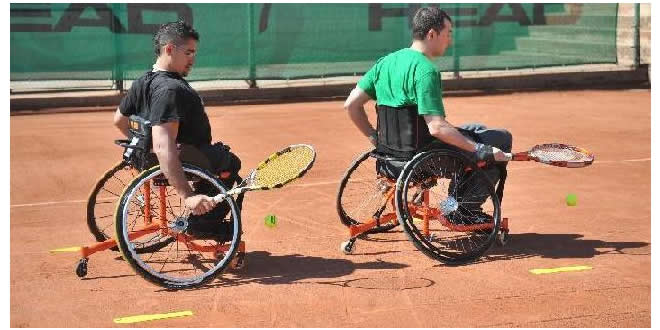 Escola de Tennis en Cadira de Rodes – FCT