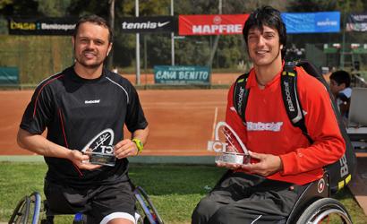 Quco Tur (dreta), campió i Martín Varela, finalista.