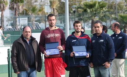 Gerard Granollers (dreta), campió i Camil Capkovic, finalista.