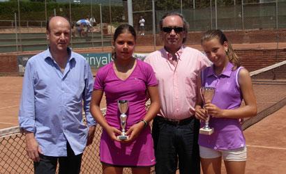 Carolina Quevedo(dreta) campiona infantil i Paula Boixader, finalista.
