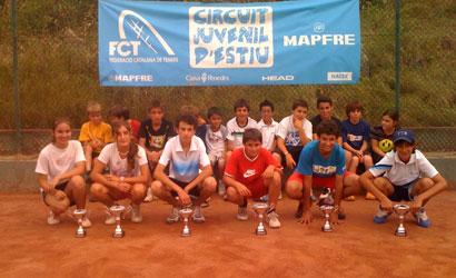 Finalistes i participants del Circuit Juvenil d'Estiu al CT Figueres.