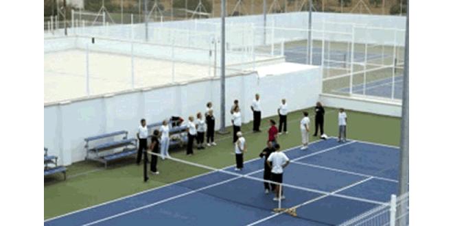 Tennis per a la gent gran al Vendrell