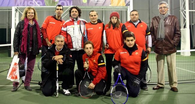 Gran detall de la família Costa amb els jugadors d'Aspros