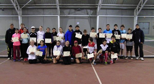 Celebrada una nova jornada del programa RDS al CIT Cornellà amb jugadors i jugadores de l'any 2000.
