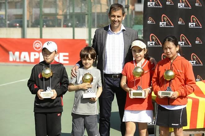 Maria Wang Martinez i la parella Noa h Regàs-Esteve Agustí, sots-campions del Campionat de Catalunya Benjamí