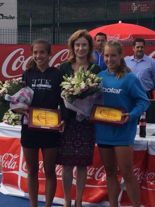 """Mar Burjats i Marta del Pino finalistes del Campionat d'Espanya Infantil de dobles 2014 """"Trofeu Coca-Cola"""""""