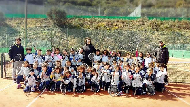 La Laia Juga a Tennis